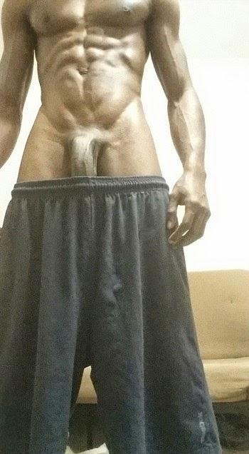 bajo las faldas sin calzon xxx