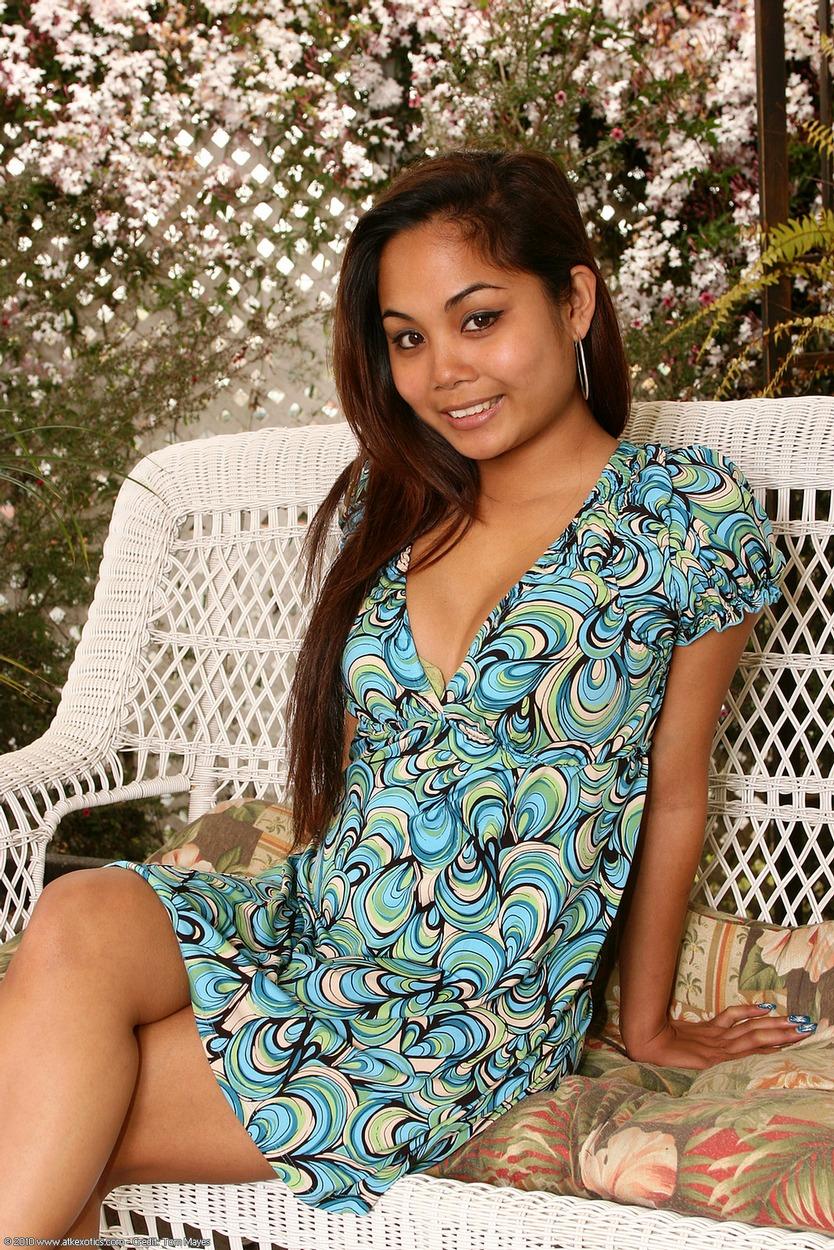 Tahiti nude