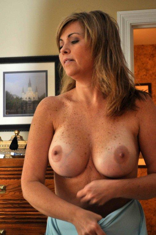 Beyonce half naked