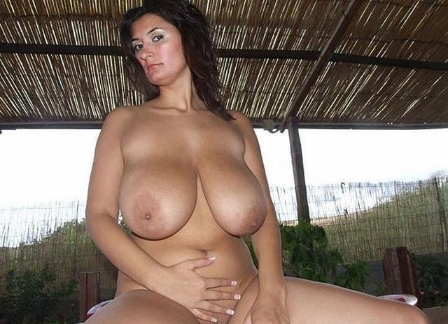 Mackenzie Foy nude