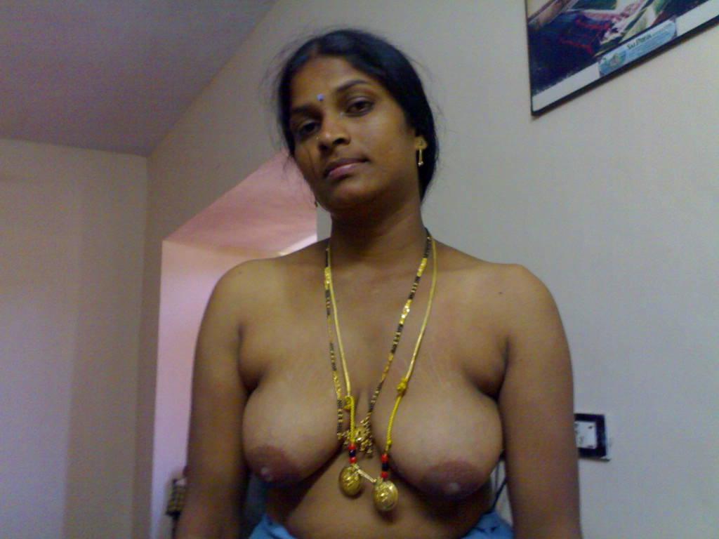 Sorry, that Tamil hot aunty boob