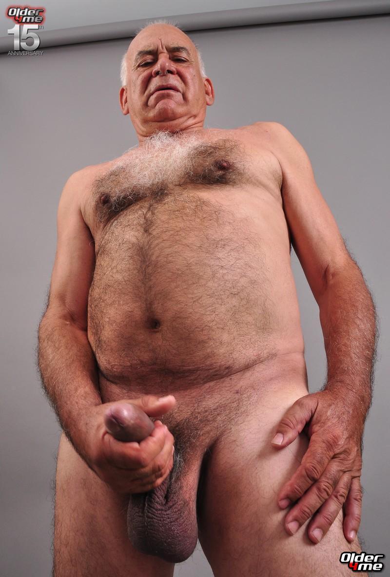 Bottomless nude goth girl