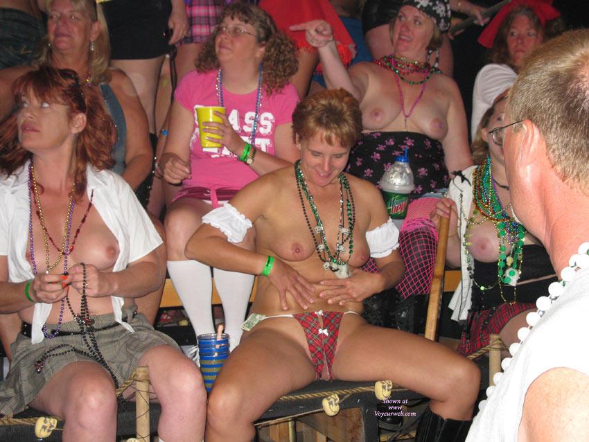 Ela savanas nude lesbian
