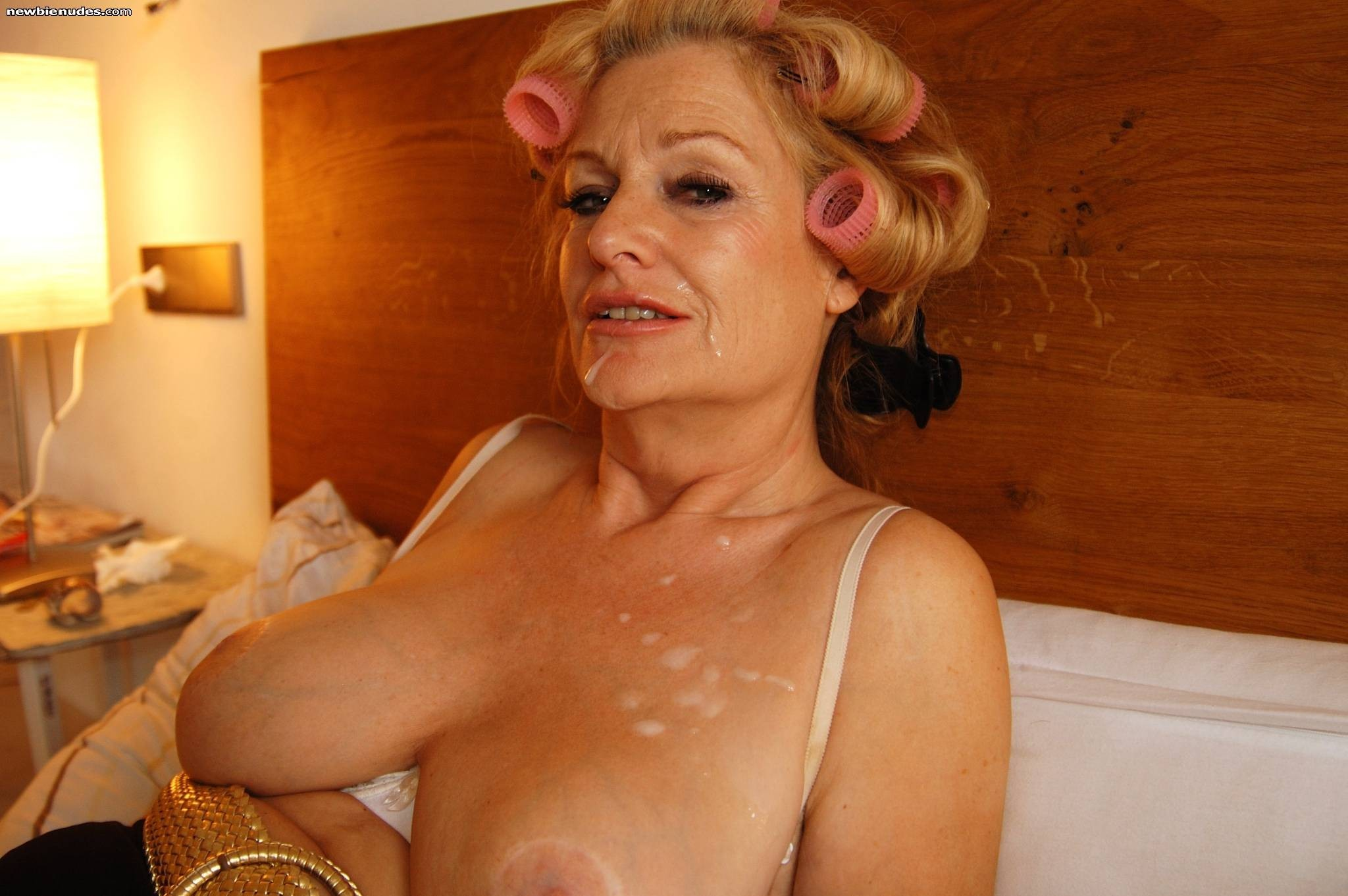 Milf hunter the naughty in rio nude