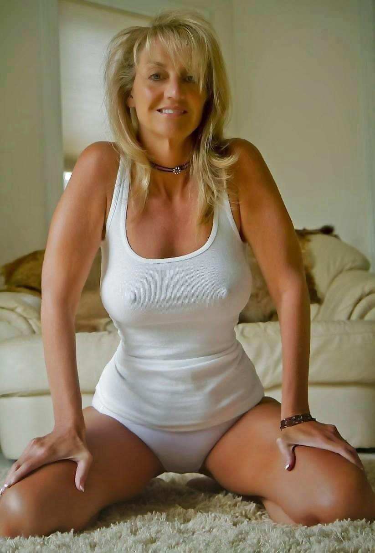 Big tits brunette pussy