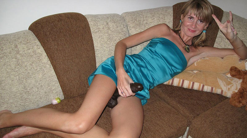 Wives upskirt no panties