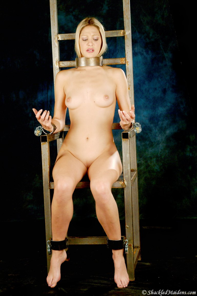 pictures of nude women in bondage