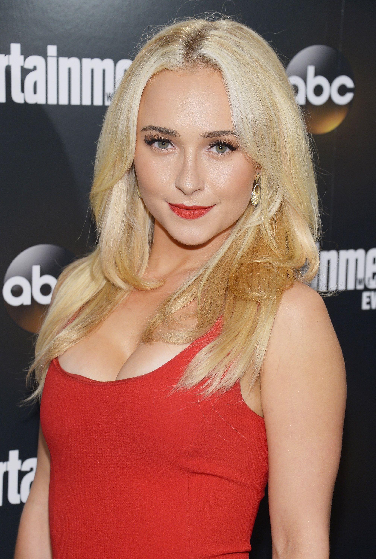 Hot sexy blonde girls having sex