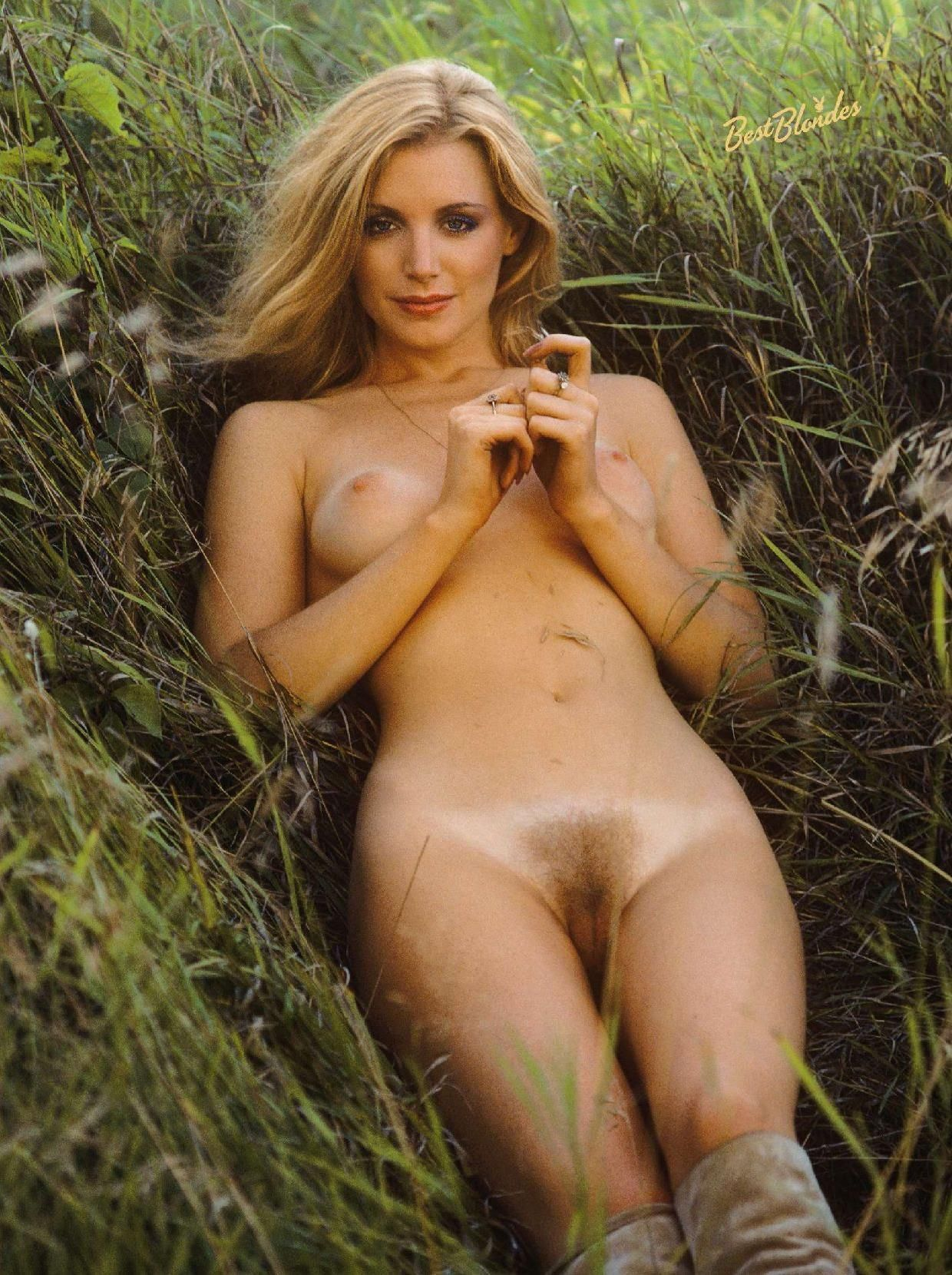 Naked pictures of tula nude