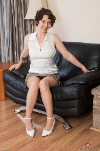 Mature woman hairy punta