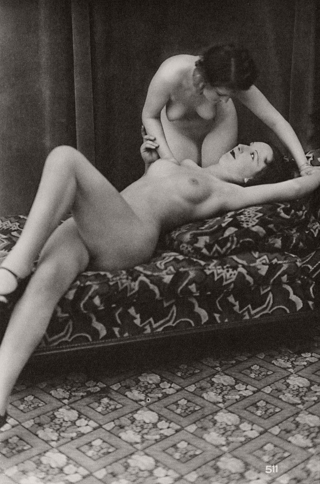 Foot lesbian rubbing