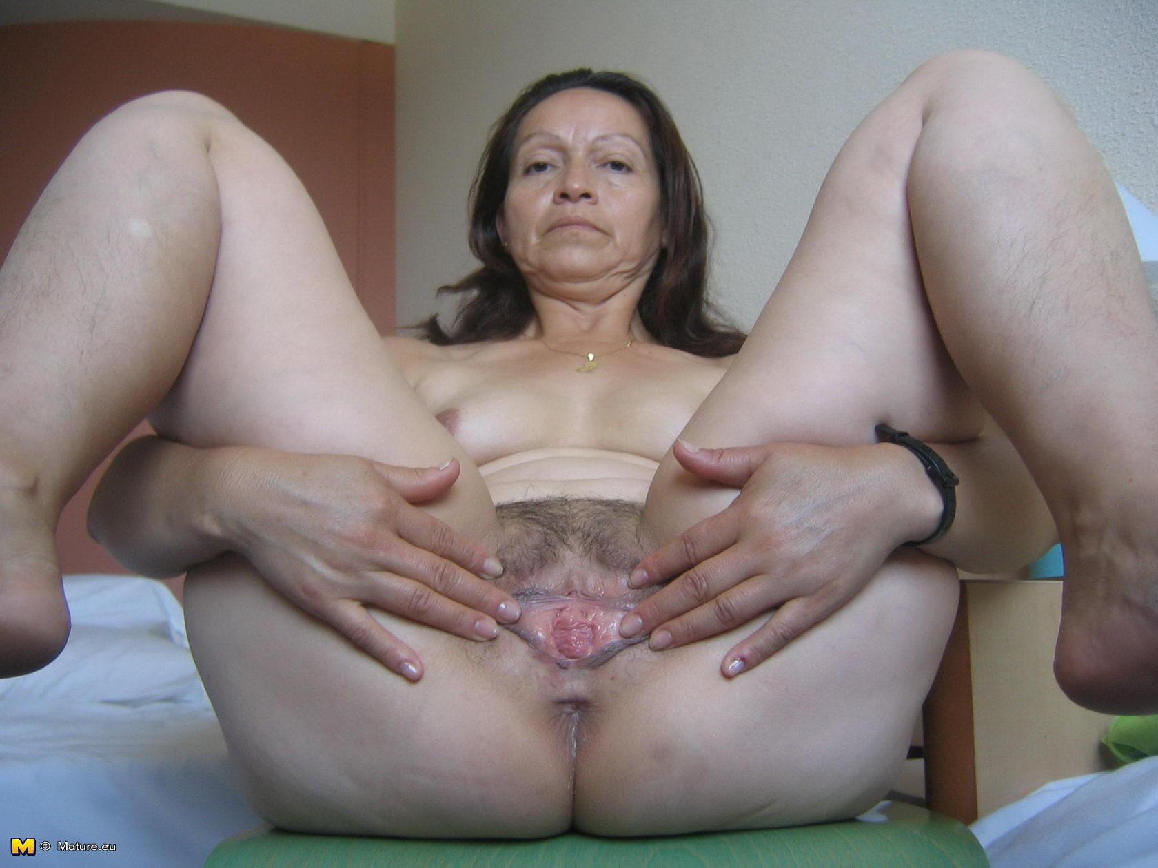 Bbw chubby medium tits