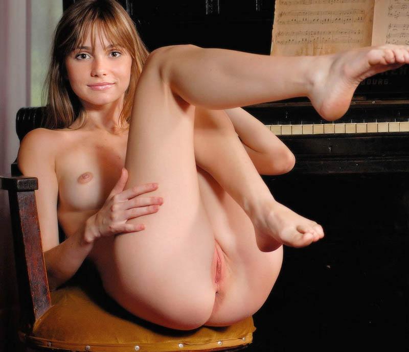 ebony hot nude girls