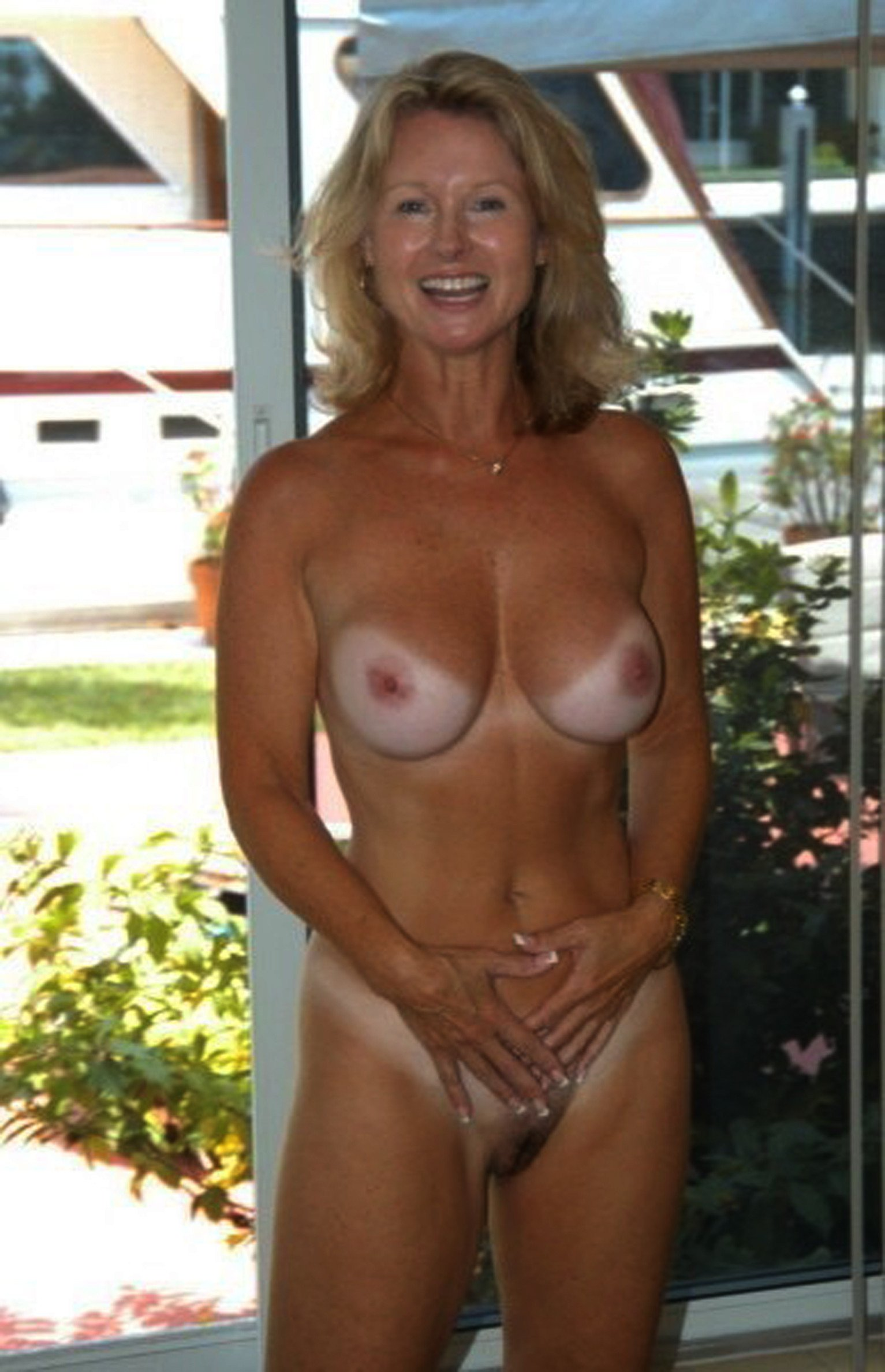 Mature women and dildos-6662