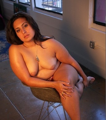Natural nude tit