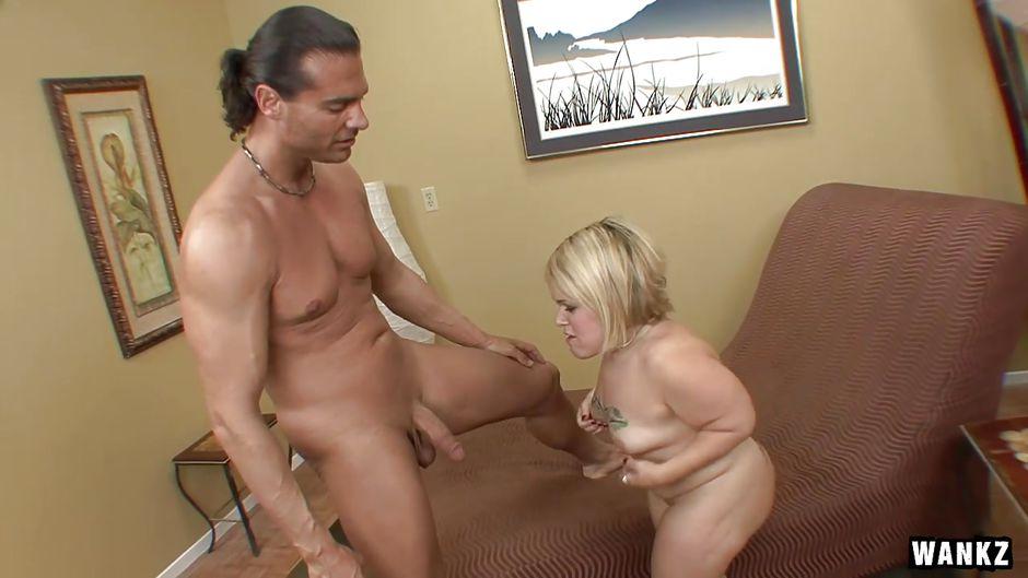 Beautiful blonde nudes spread